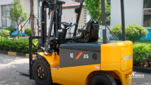 clg2035a-s-electric-four-wheel-solid-pneumatic-tire-forklifts-500x500